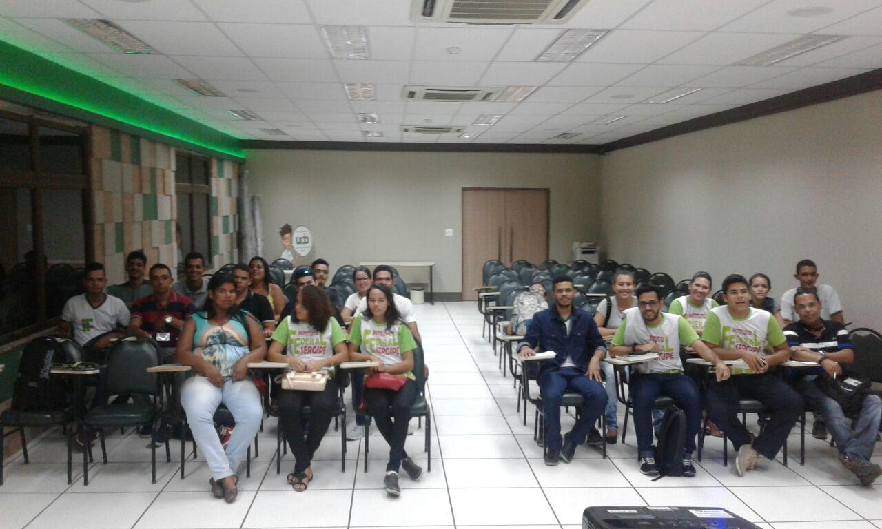 Banco Banese recebe os alunos de Redes de Computadores